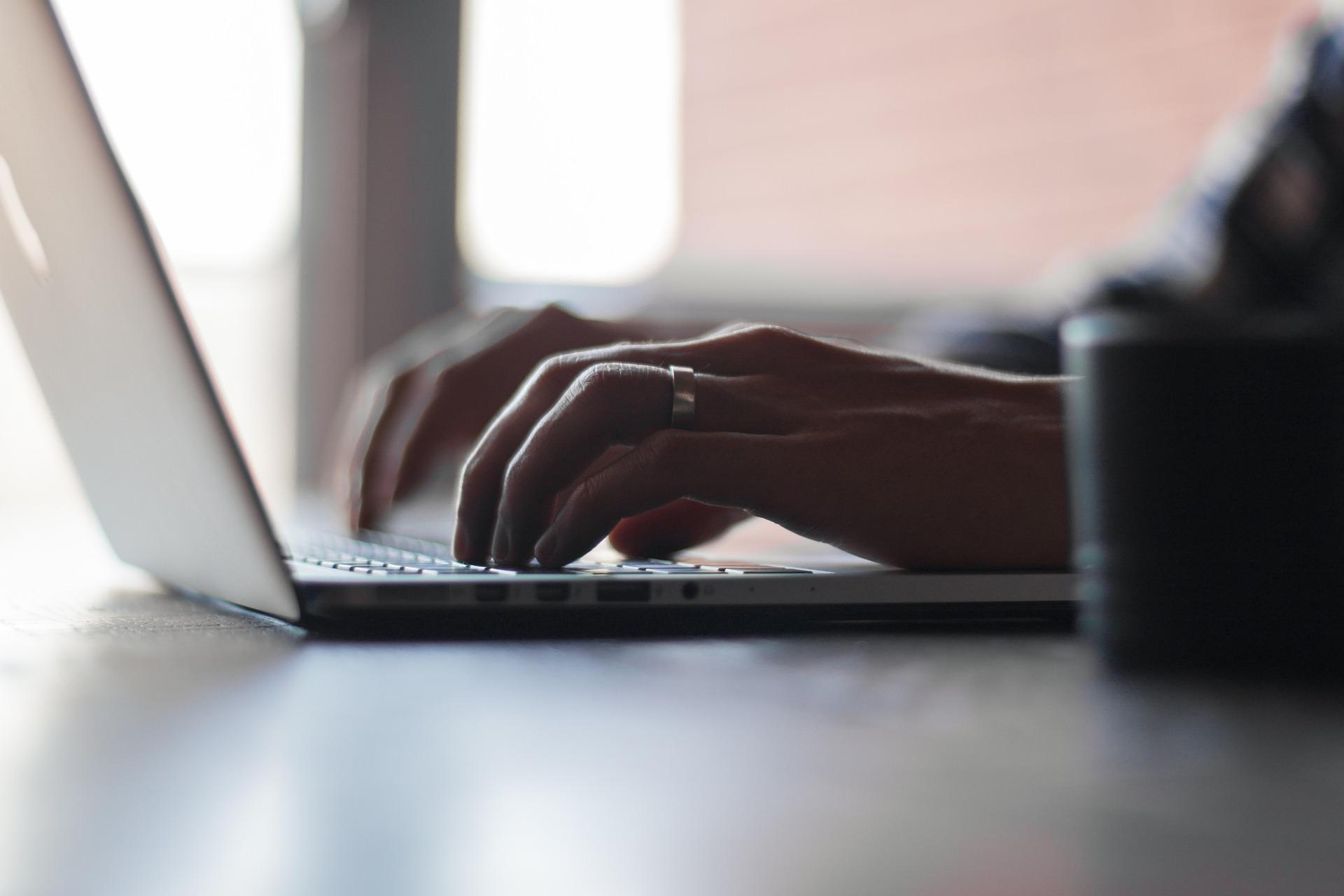 Assistenza tecnica Apple: il programma per le tastiere di MacBook e MacBook Pro